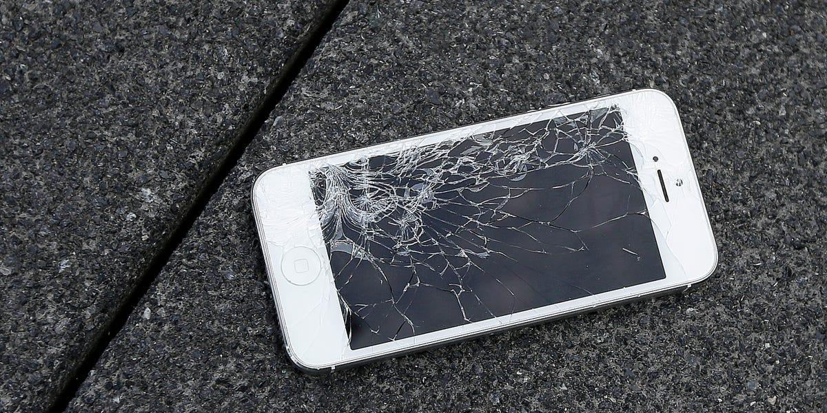 Amazon est l'endroit le moins cher pour réparer un écran fissuré pour les anciens iPhones  – Iphonix.fr
