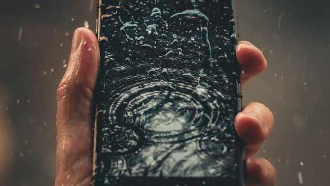 Haut-parleurs de téléphone portable saturés d'eau?  Il existe des applications pour résoudre ce problème