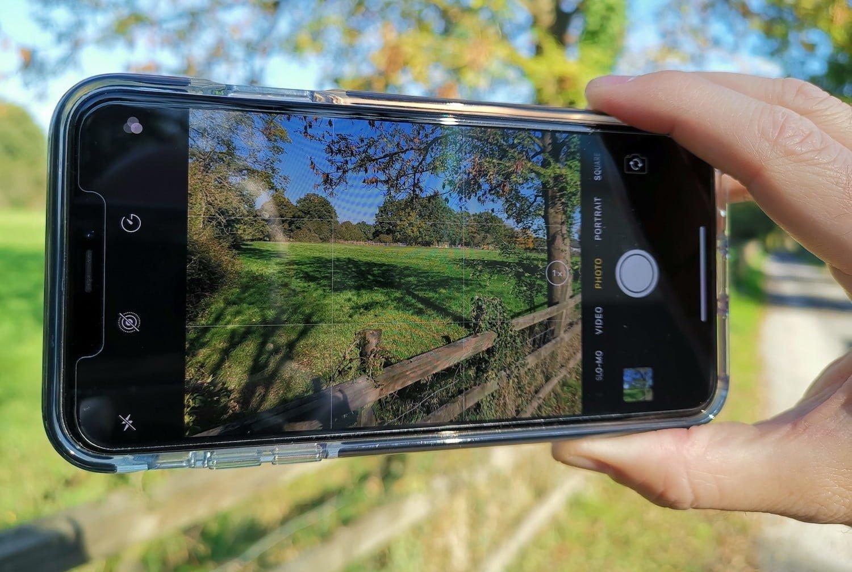 Moyen rapide et facile d'éliminer l'humidité de condensation sur l'objectif de la caméra iPhone