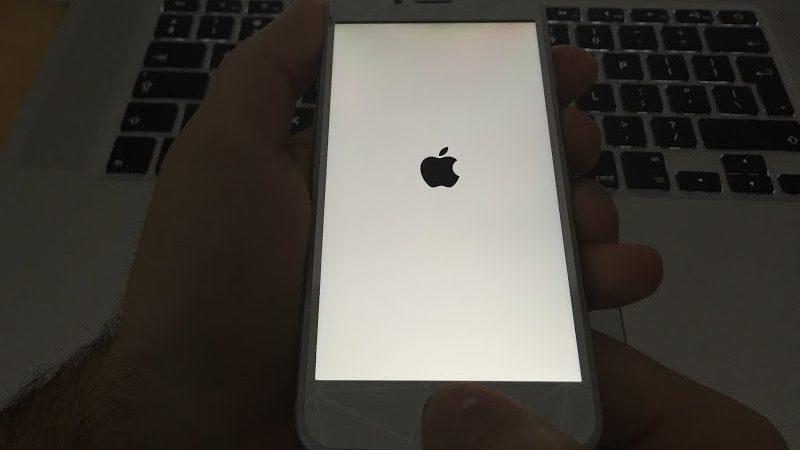 Votre iPhone bloqué sur le logo Apple?  Réparez-le sans restauration