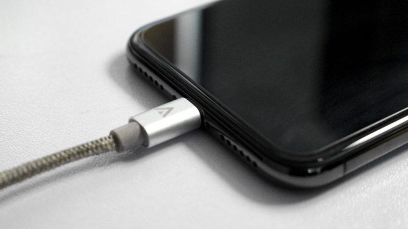 iPhone ne charge pas?  Voici comment résoudre ce problème