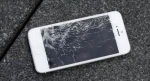 Comment réinitialiser le téléphone avec un écran cassé?