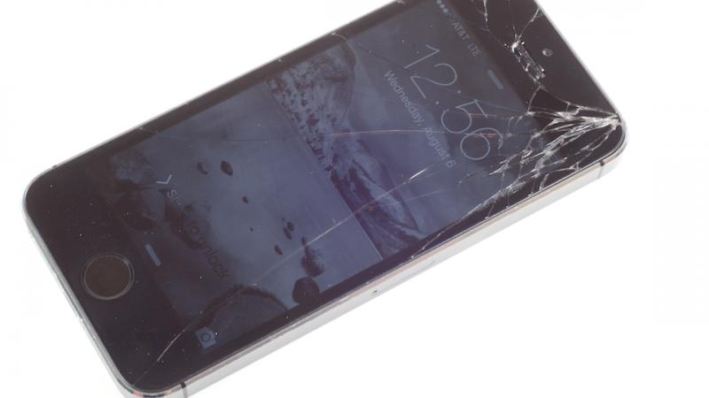 Comment remplacer un écran iPhone 5S cassé