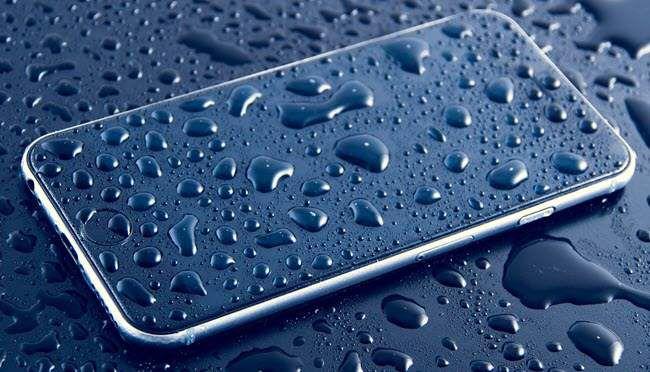 Comment réparer ou réparer un smartphone endommagé par l'eau ou un liquide