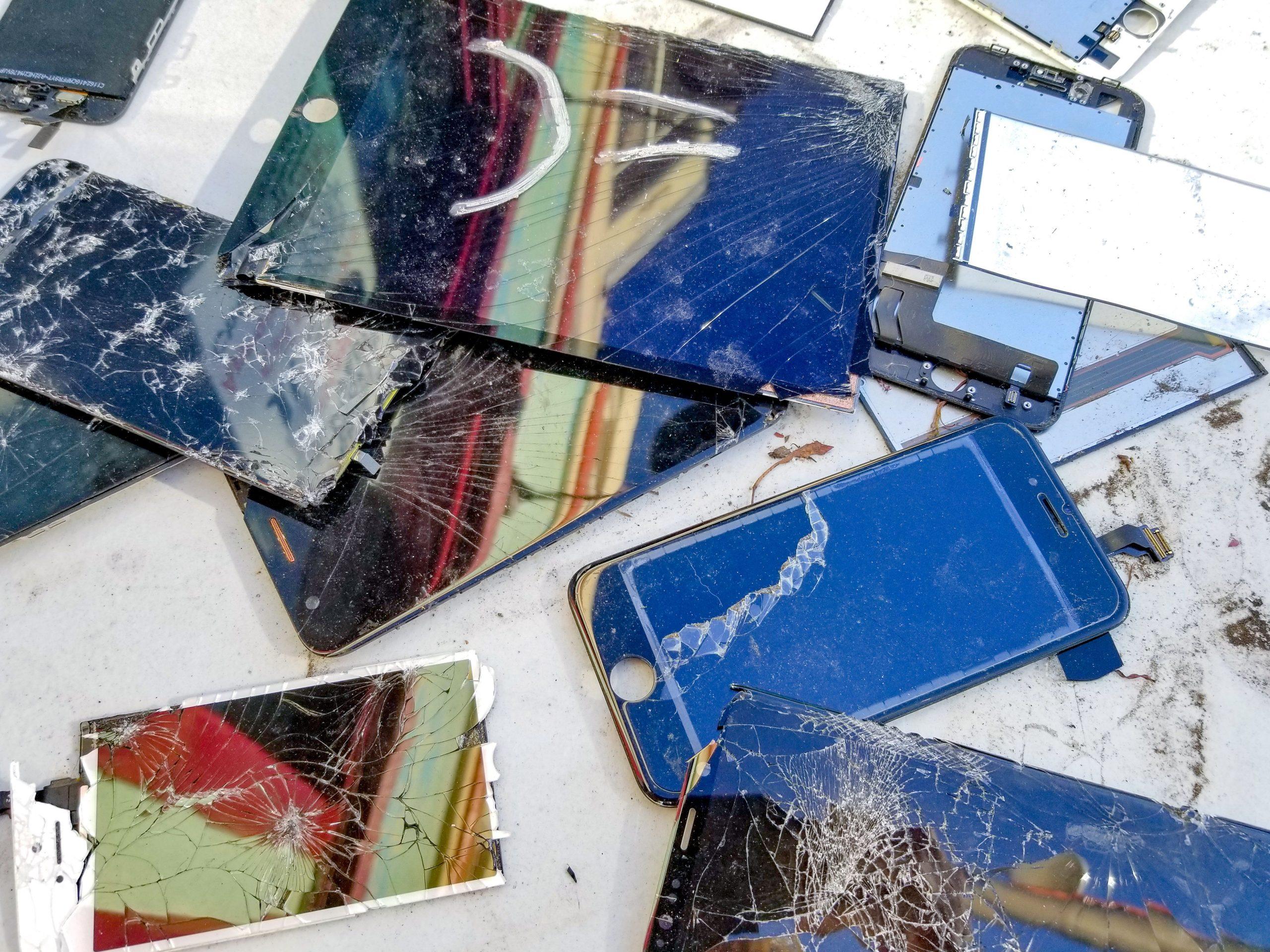 Comment réparer un écran de téléphone fissuré